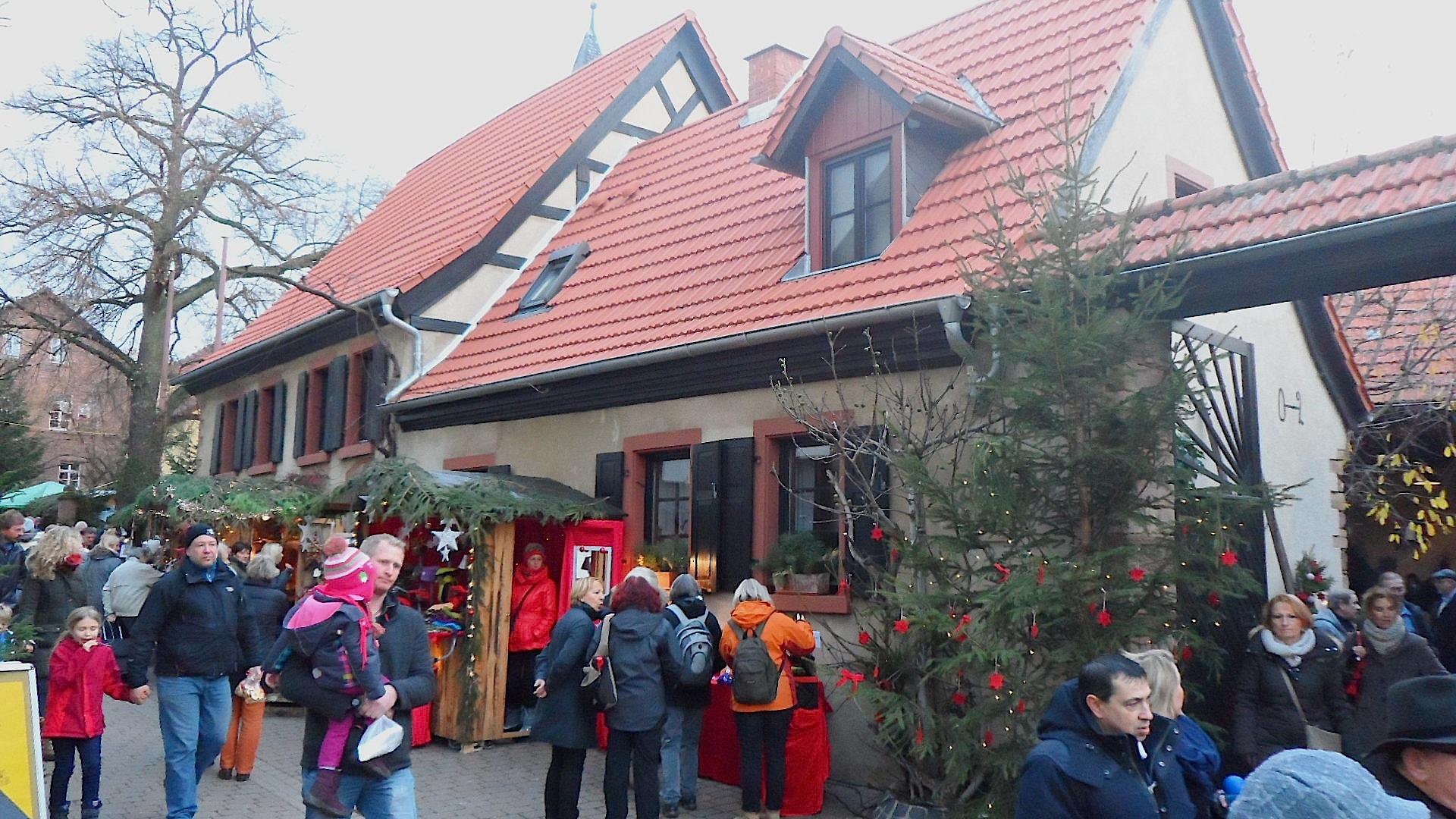 Bobenheim_am_Berg,_Belzenickelmarkt